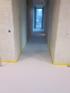 Eramu põrand valge hõõrdemassiga
